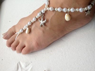 beach-wedding-barefoot-sandals-starfish-4